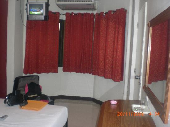 Khaosan Palace Hotel: Chambre