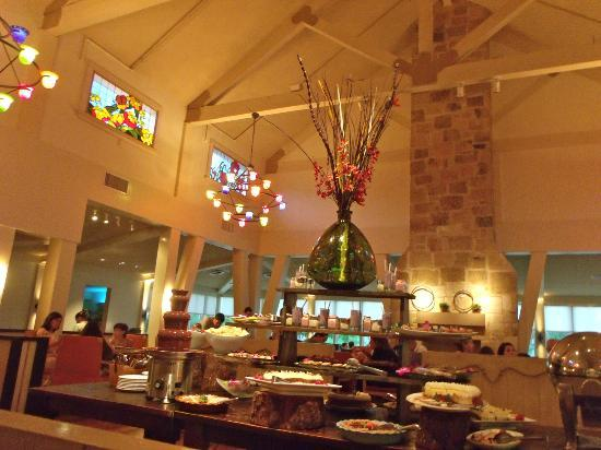 Hyatt Regency Lost Pines Resort Spa Firewheel Cafe