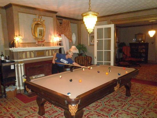 The Fox Inn Bed & Breakfast: Billiard Room