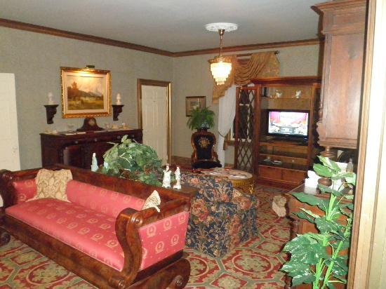 The Fox Inn Bed & Breakfast: The Living Room