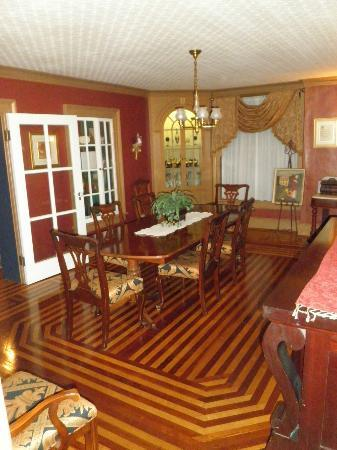 The Fox Inn Bed & Breakfast: Dining Room
