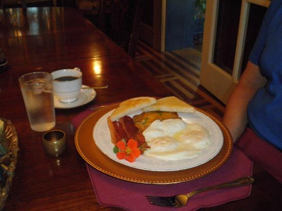 The Fox Inn Bed & Breakfast: Simple Bacon & Eggs
