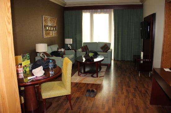 Al Khoory Hotel Apartments: Living Room