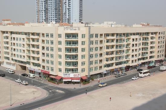 Al Khoory Hotel Apartments: Looking out from the rooftop 1