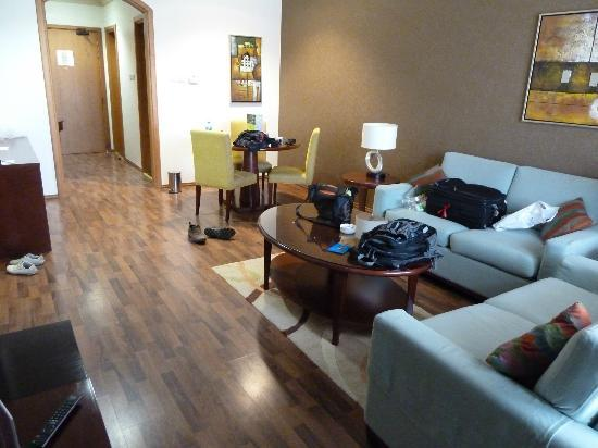 Al Khoory Hotel Apartments: Living Room 2