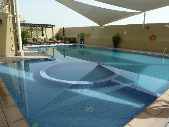 Al Khoory Hotel Apartments: Pool