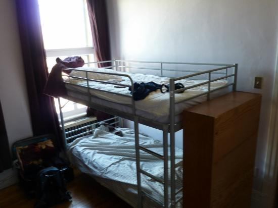 Alexandrie Hostel: beds from the right side of the room
