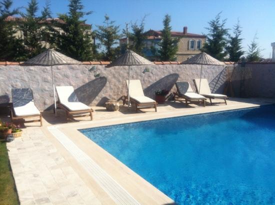 Moy Otel Alacati : la piscina