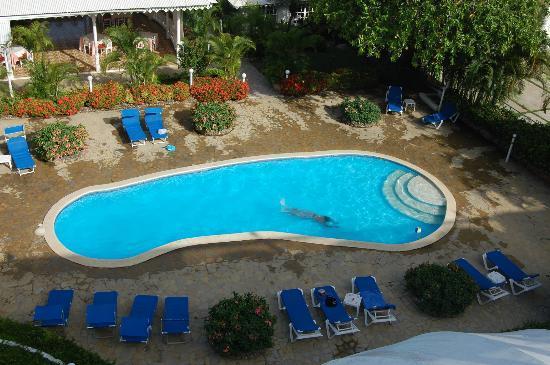 Piergiorgio Palace Hotel: piscina vista dalla camera