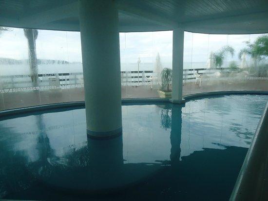 Bombinhas Palace Hotel:                   Pileta Cubierta