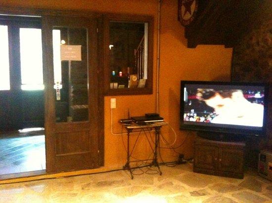 Apartaments Terraferma: Entrada al Bar