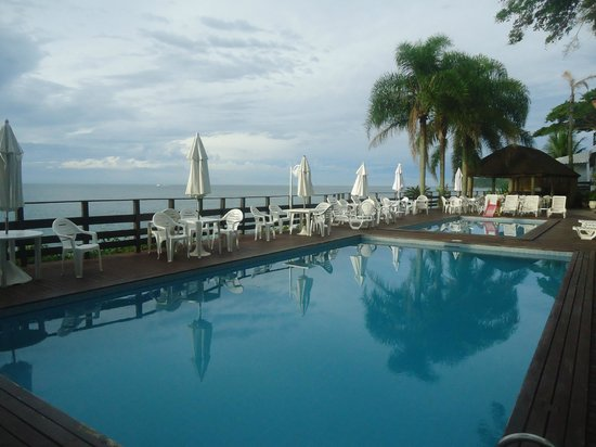 Bombinhas Hotel:                   Pileta