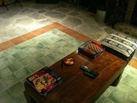 Apartaments Terraferma: Juegos de mesa del Bar