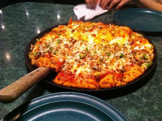 Chet & Matt's Pizza: Chicken Fajita / Two Brothers Pizza