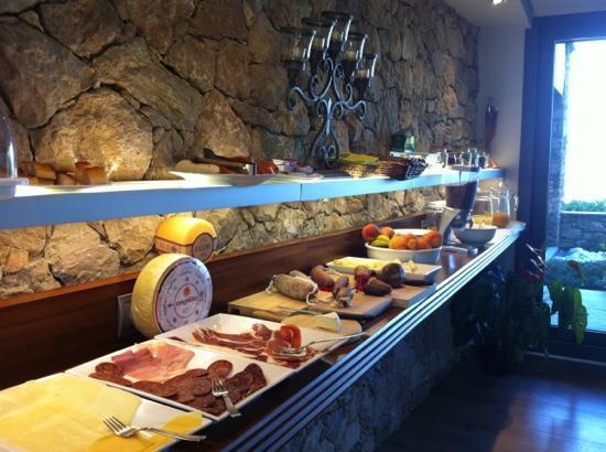 Alàs, España: el desayuno