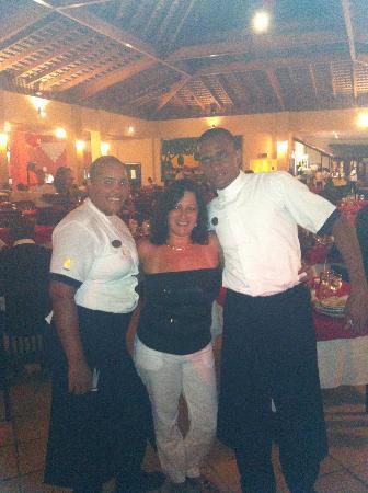 Tropical Princess Beach Resort & Spa: SERVICIO DE RESTAURANT