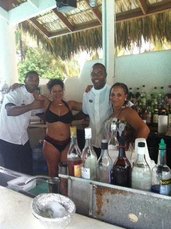 Tropical Princess Beach Resort & Spa: BARES PISCINA