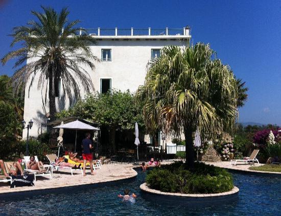 Hotel La Solenzara : Vue de la piscine