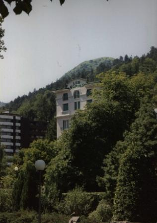 l'hotel des sapins vu du parc