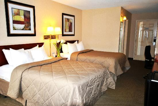 Quality Inn: Guest room with 2 double beds