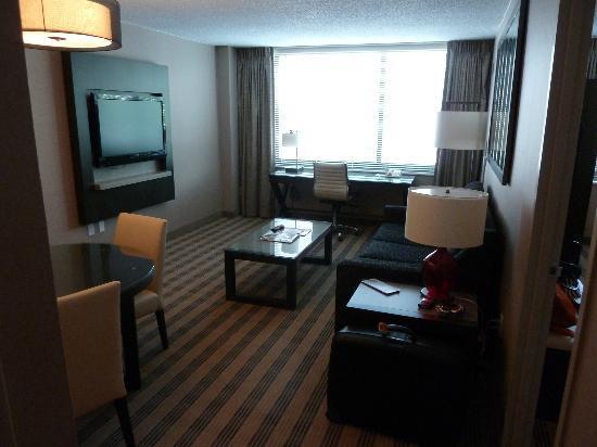 Avenue Suites Georgetown: Le salon de la suite