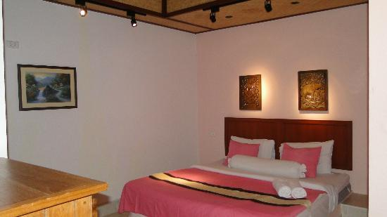 Friendship Beach Resort & Atmanjai Wellness Centre : chambre attenante avec sdb en plein air
