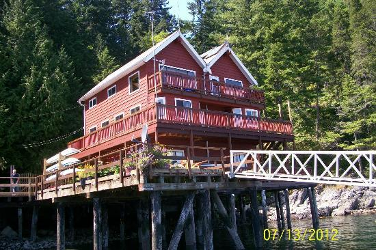 Discovery Islands Lodge: The Lodge
