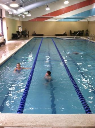 DoubleTree by Hilton Binghamton: pool and hot tub