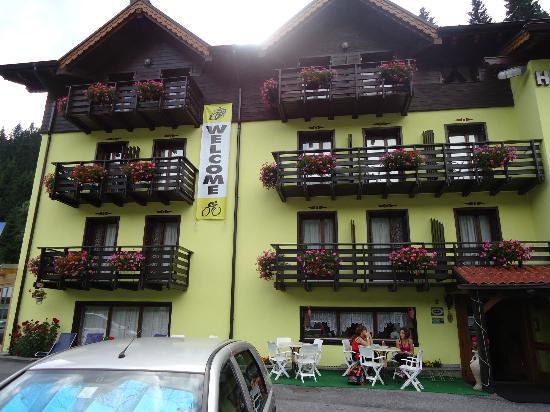 Hotel Cime d'Oro: facciata hotel