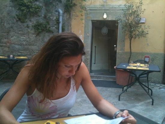 Citta di Castello, Italia: prima di cena, si sta' gia' bene!...