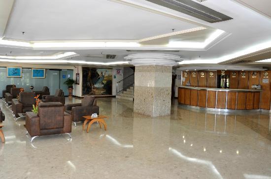 Eduard's Hotel, Suite & Resorts: lobby