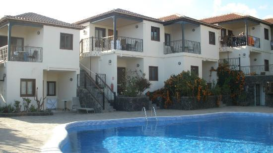 Apartamentos Chijere: View of the apartments from the pool