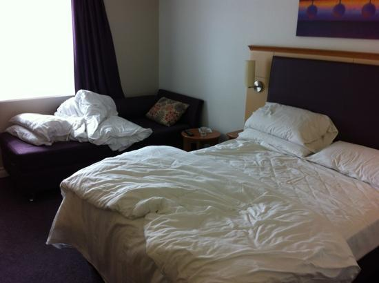 Premier Inn Ayury Hotel 1 Standard Full Size Bed Small Sofa