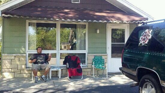 Black Hawk Motel: Let the vacation begin! lol