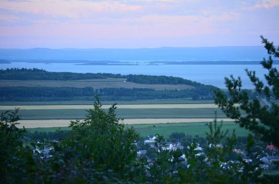 Les Maisonnettes sur le Cap : view at dusk