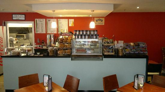 Jades Coffee House: counter