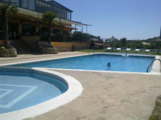 Bungalows Papalus : piscine et terrasse restaurant