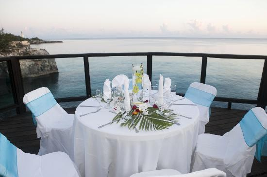Villas Sur Mer: Wedding Reception