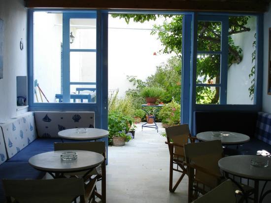 Hotel Sanoudos : Ontbijtruimte