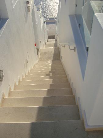 Above Blue Suites: Stairs to Fira and remaining suites