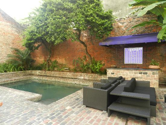 Hotel Le Marais : The small but nice swimming pool