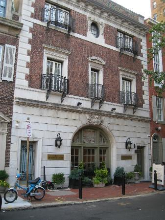 Rittenhouse 1715, A Boutique Hotel: Front of the hotel.