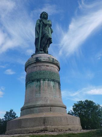 MuséoParc Alésia : Statue de Vercingétorix