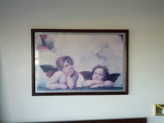 Quality Inn Uptown: More hideous art!
