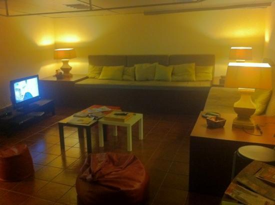 Oporto Sky Hostel : sala relax