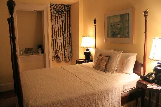 Barksdale House Inn: my lovely room 7