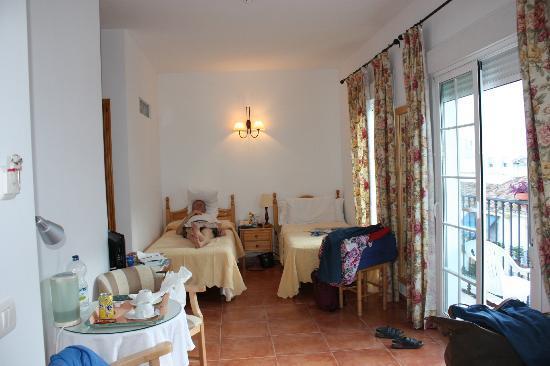 Hotel Casa Rosa: Drie persoonskamer aan de straatkant