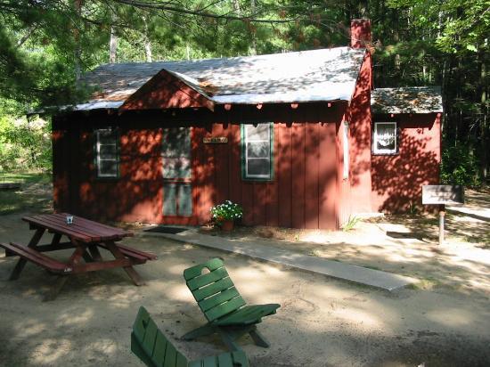 Ellis Lake Resort: Elm Cabin