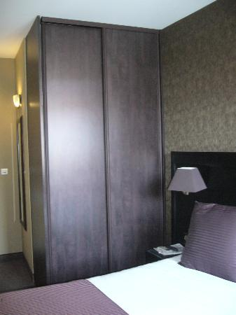 Best Western Plus Nice Cosy Hotel: Chambre,grand garde-robe