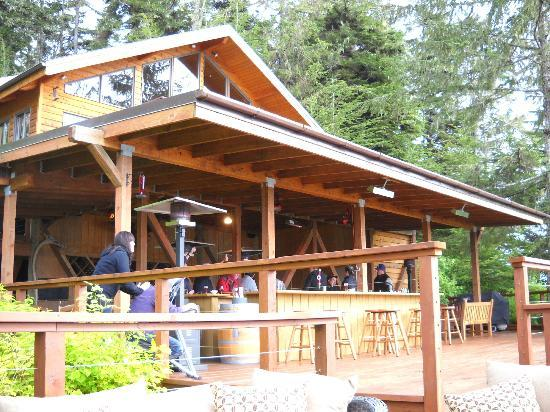 Talon Lodge & Spa: Open outdoor bar area